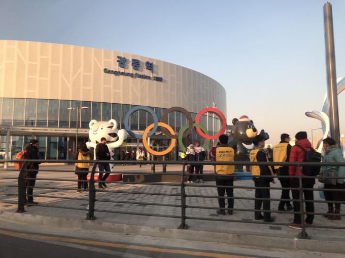 あまり、いやほとんど賑わい感の感じられない最寄駅。オリンピック、開催してますよね(^_^;)?